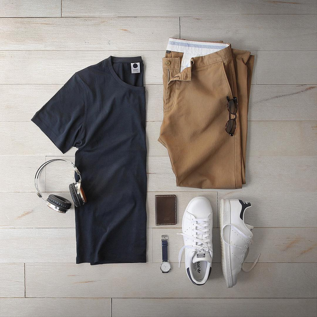 How To Wear Khaki Chinos For Men (8 Outfit Ideas ...