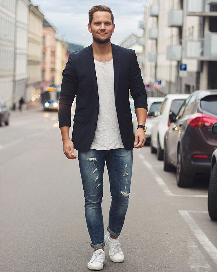 t-shirt with blazer look