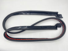 Load image into Gallery viewer, Honda S2000 OE Rear Hardtop Weatherstrip Underseal