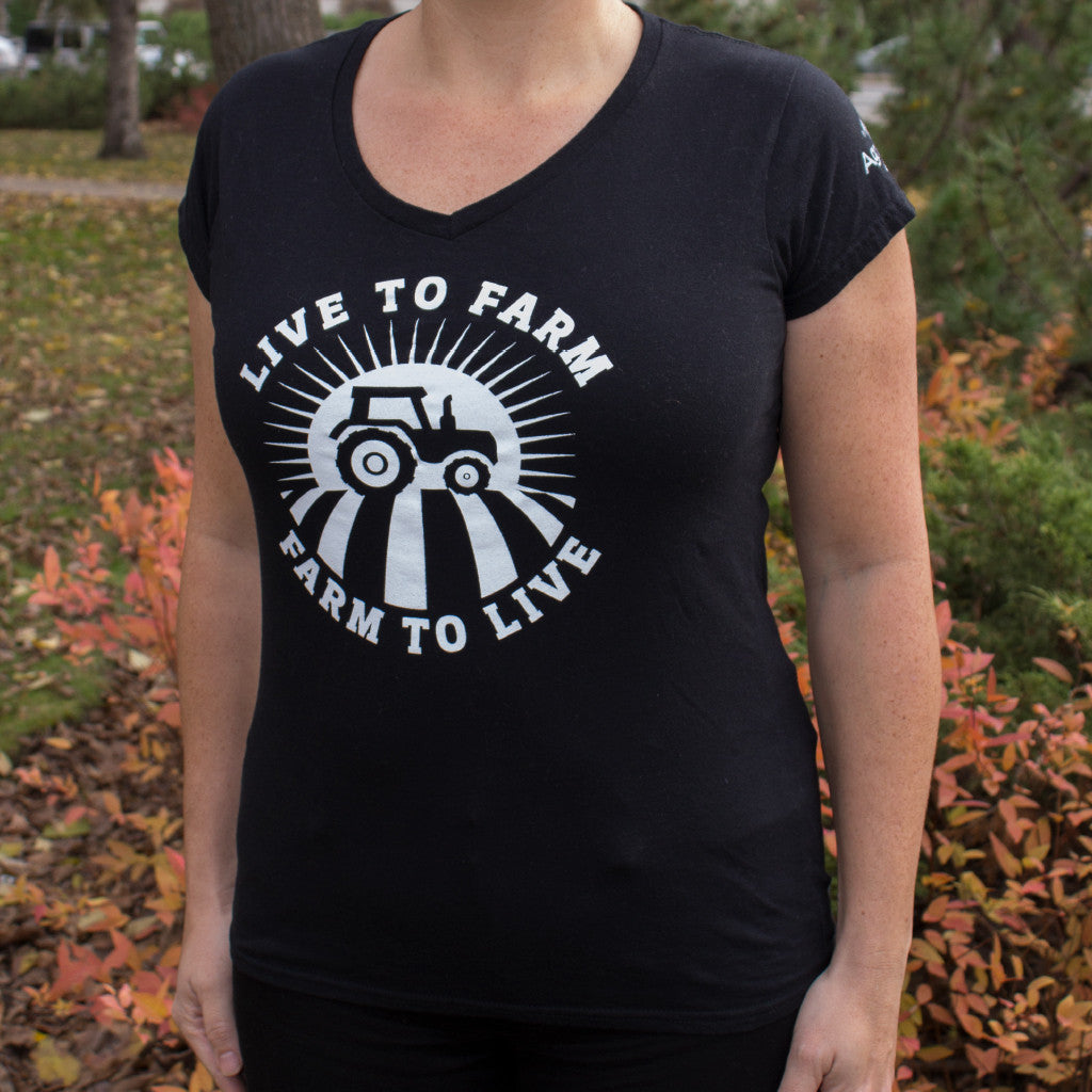 T-shirt: black – Live to Farm (women's fitted - order at least one size larger than usual)