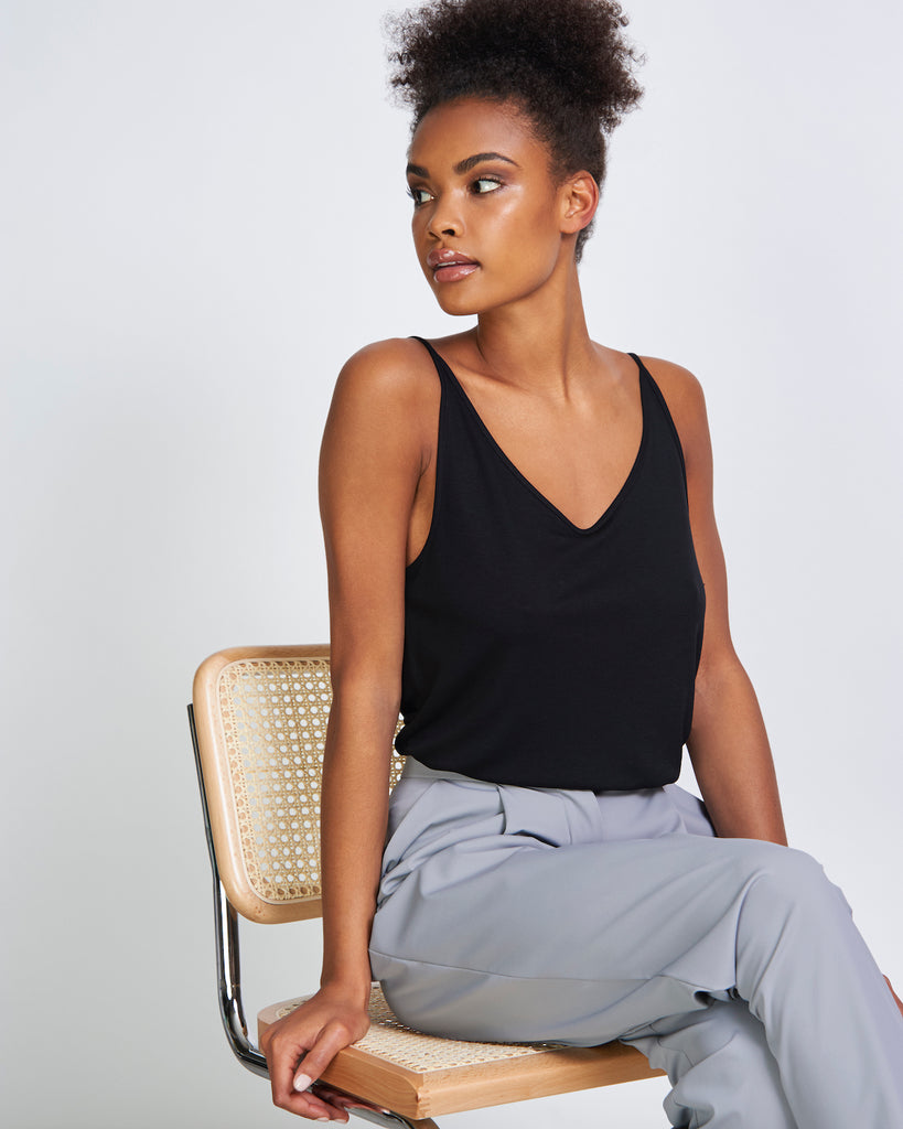 JAN 'N JUNE Slip top triangle flow black