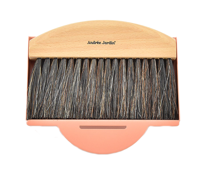 ANDRÉE JARDIN Dustpan and table brush peach