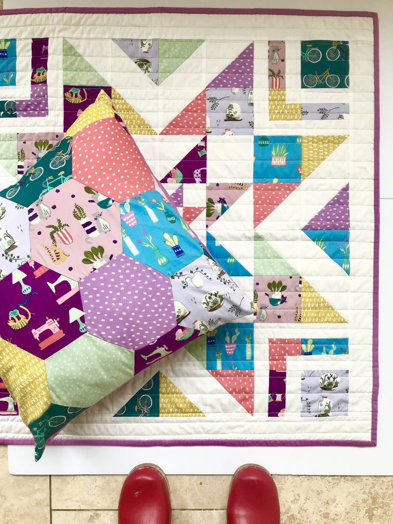 products/SATURDAY_QUILT_AND_CLOGS_378dd758-695b-4c6e-9317-b7102c1e6323.jpg