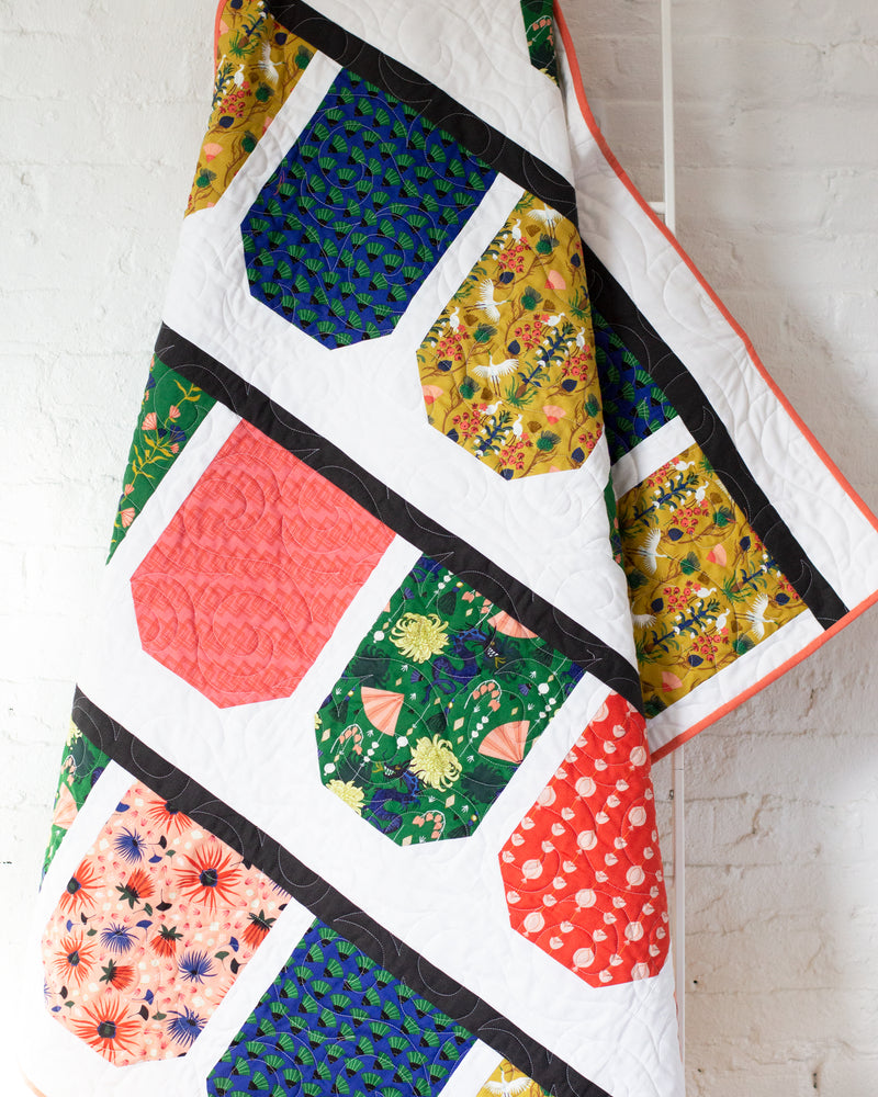 products/dragonsandlanterns_quilt_FTP_9c2a26d9-f287-4b10-b484-8d295c5ef285.jpg