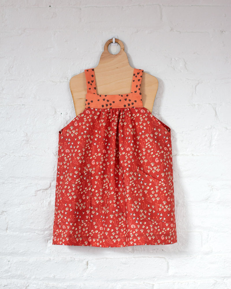 products/underwood-pinafore_514bf8eb-ea15-47ad-af3c-0d622e8742c3.jpg