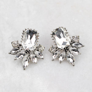 AMELIA EARRINGS WHITE - Black & Bloom