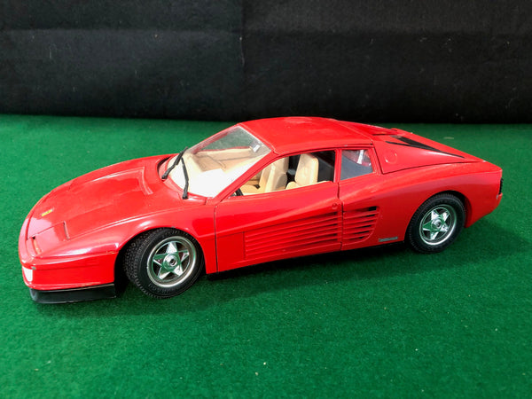 ferrari_testarossa_red_by_bburago_1-18_(no_box)-1_at_albaco.com