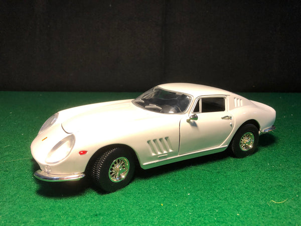 ferrari_275_gtb/4_white_by_ertl_1-18_(7476)(no_box)-1_at_albaco.com