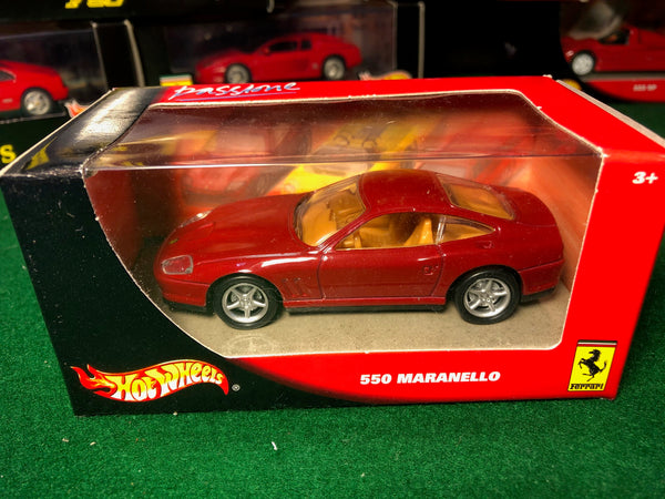 ferrari_550_maranello_red_by_hotwheels_1-43_(53402)-1_at_albaco.com