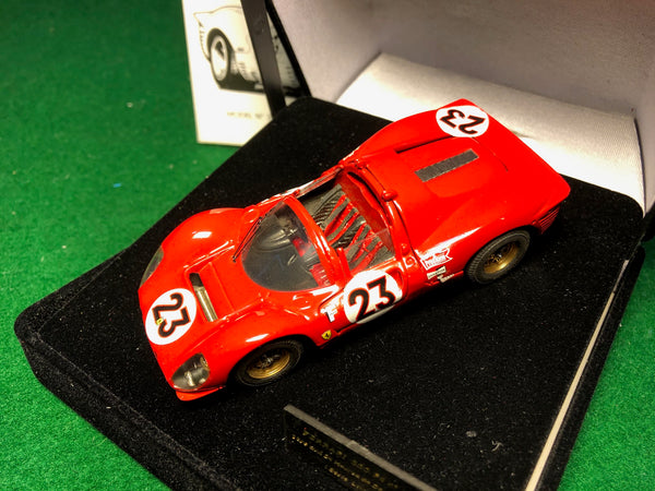 ferrari_330_p4_n_23_spider_1st_24_hrs_of_daytona_1967_by_jouef_1-43_(3025)-1_at_albaco.com
