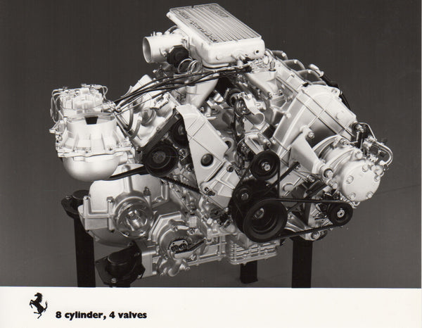 ferrari_8_cylinder_4_valves_(qv)_engine_photo-1_at_albaco.com