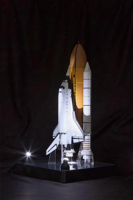 #Christmas Pre-Sale! - Space Shuttle Endeavour in 1:144 Scale