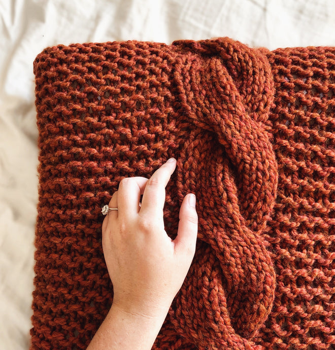 FREE PATTERN: Cable Knit Throw Pillow