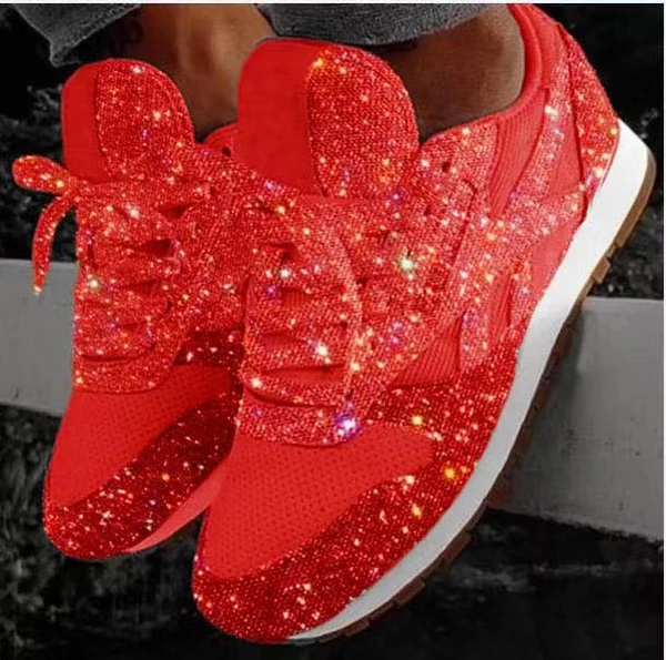 Comfortable and breathable ladies sneaker with glitter effect