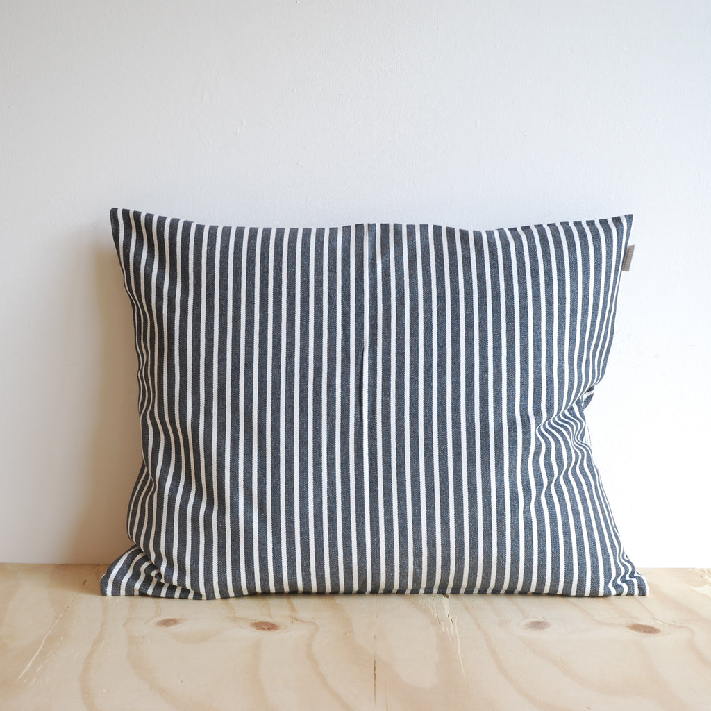 Linum Camargue Cushion Charcoal