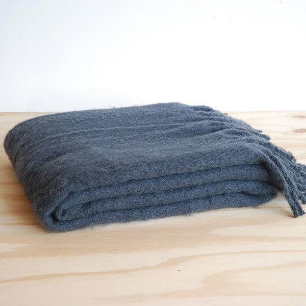Linum Hugo Throw