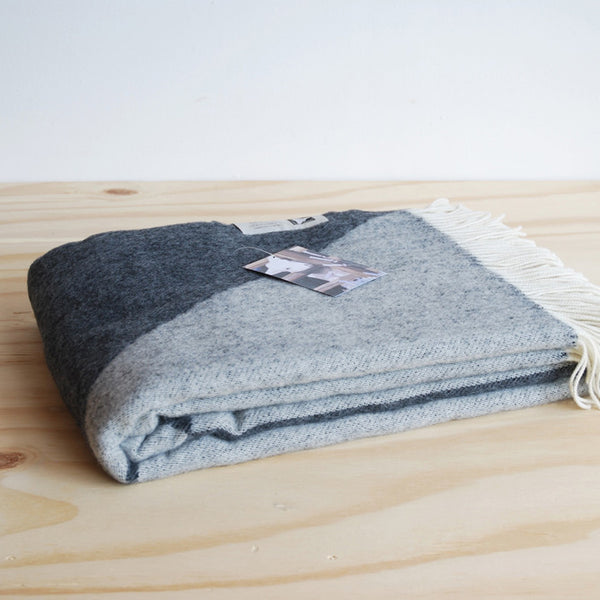 Tina Ratzer Focus on Twill Throw Dark Grey