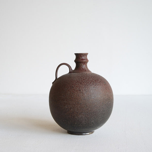 Vessel with Handle