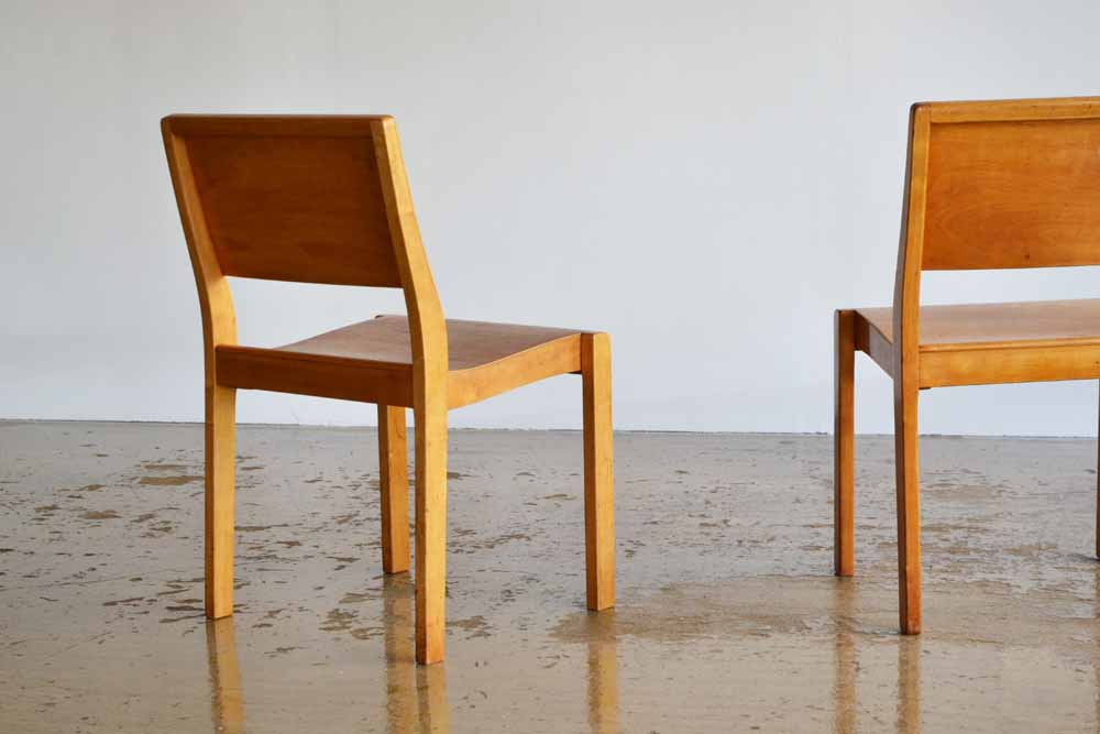 Pair of 611 chairs by Alvar Aalto for Finmar