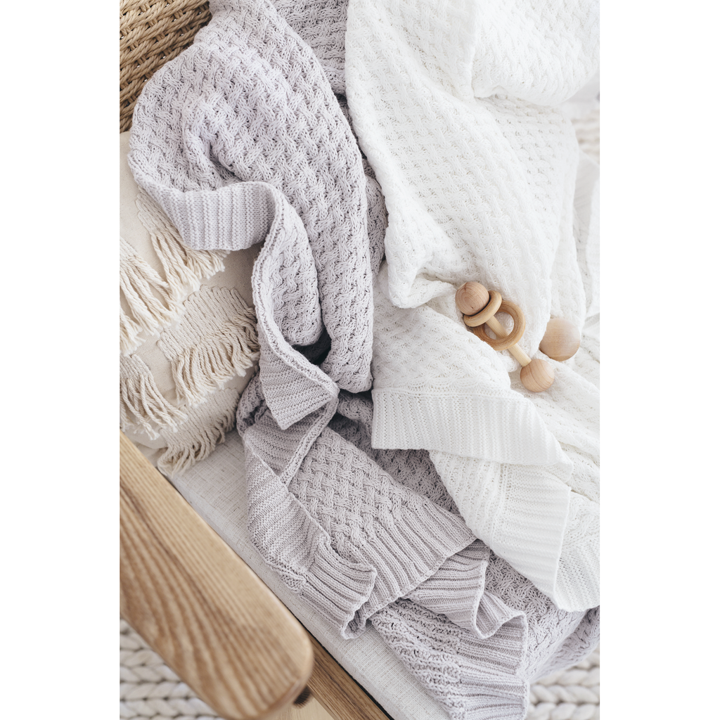 knitted baby blanket | diamond knit | white