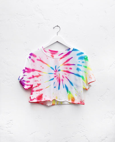 Cropped T-Shirt / Neon Rainbow