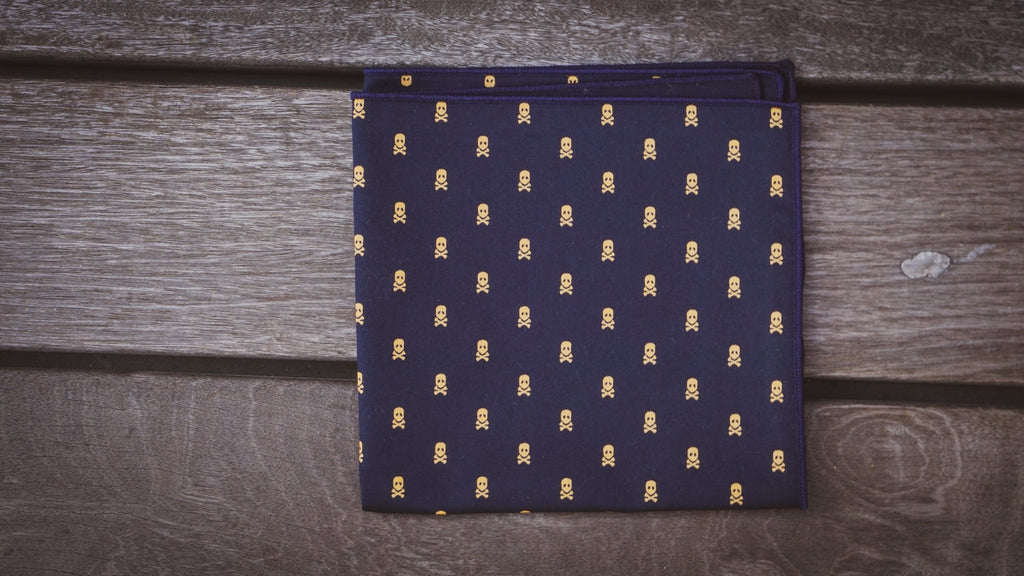 Pocket Square Square No. 226
