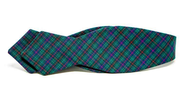 Holiday Plaid Bow Tie No. 824