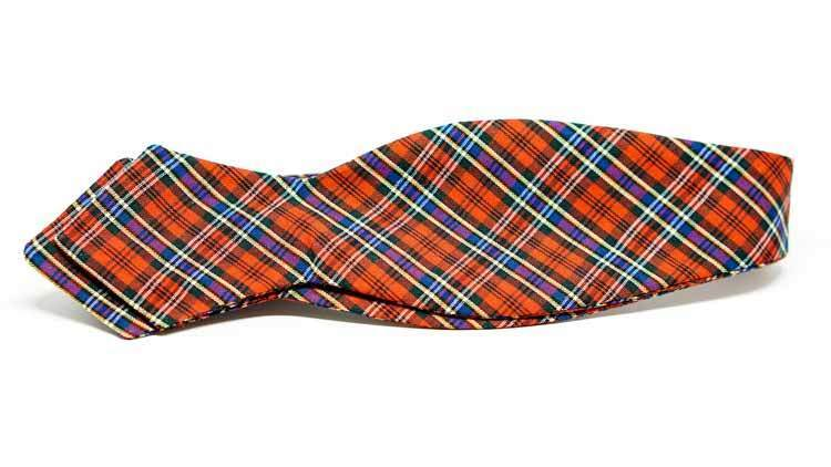 Holiday Plaid Bow Tie No. 827
