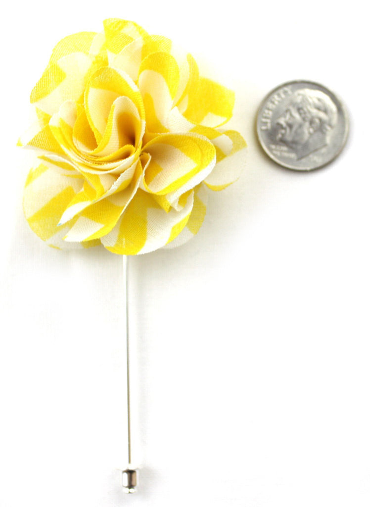 The Miguel Ángel Lapel Flower
