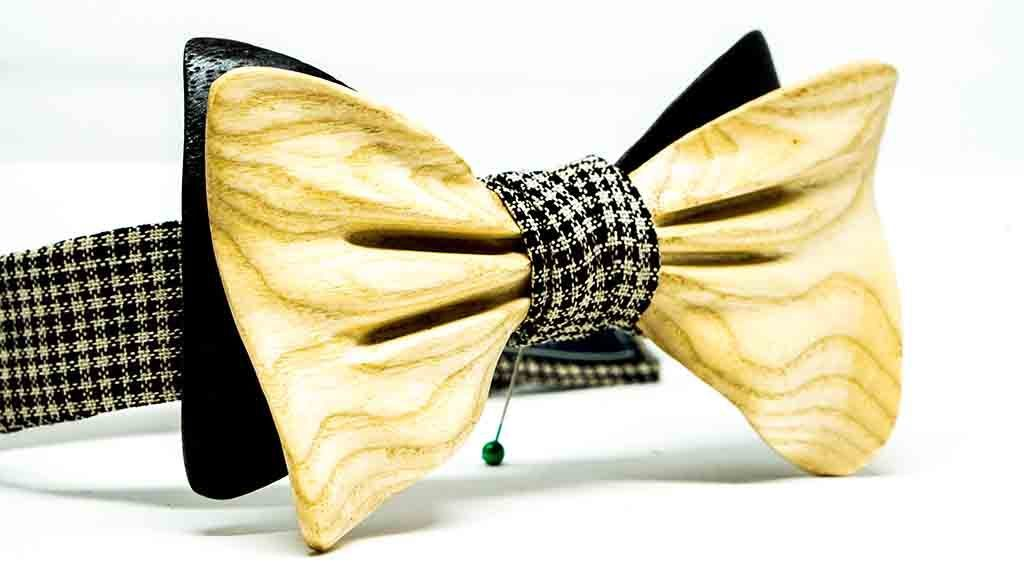 Wooden Bow Tie No. 576