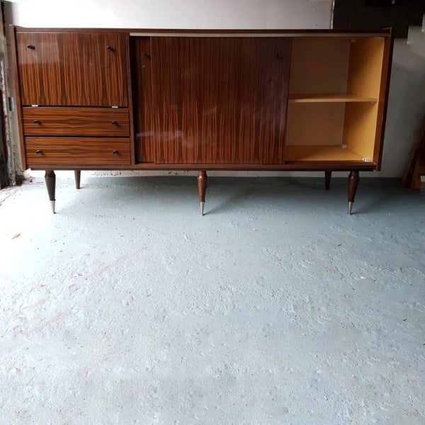 Vintage dressoir - RELIVING
