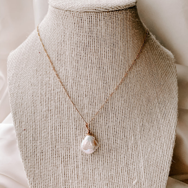 CULTUS PEARL WRAP NECKLACE