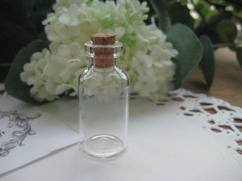 5ml Glass Bottle - 18(D)x40(H)mm #184007 --FREE SHIPPING