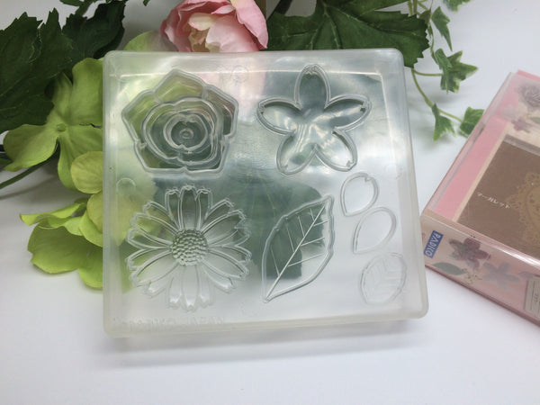 FREE SHIPPING - Padico Soft Clay Mold Flower (PP)