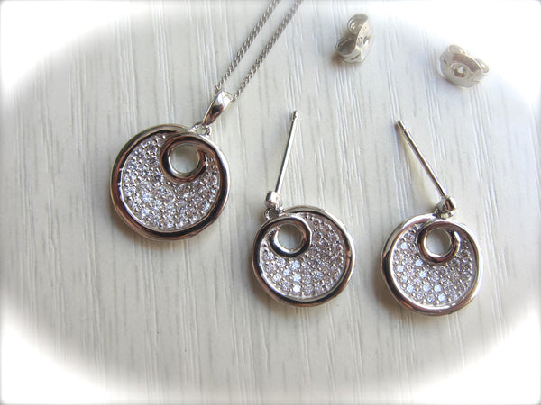 100% 925 Sterling Silver Cubic Zirconia Circle Pendant with Chain & Earrings Set - RW0002