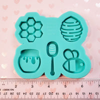 (PRE-ORDER) Grip-Sized Honey Bee Silicone Mold Palette