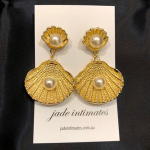 Gold Clam Earrings