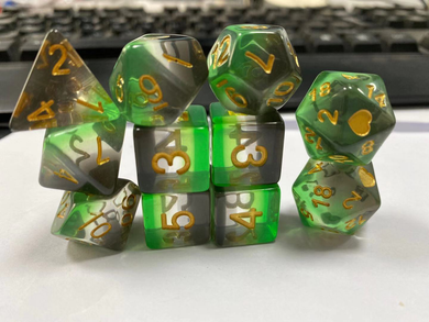 HeartBeat Dice: Aromantic Translucent Pride Set