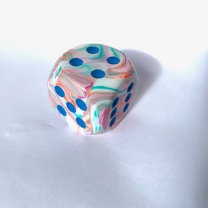 Single D6 30mm w/pips Festive Pop Art /blue