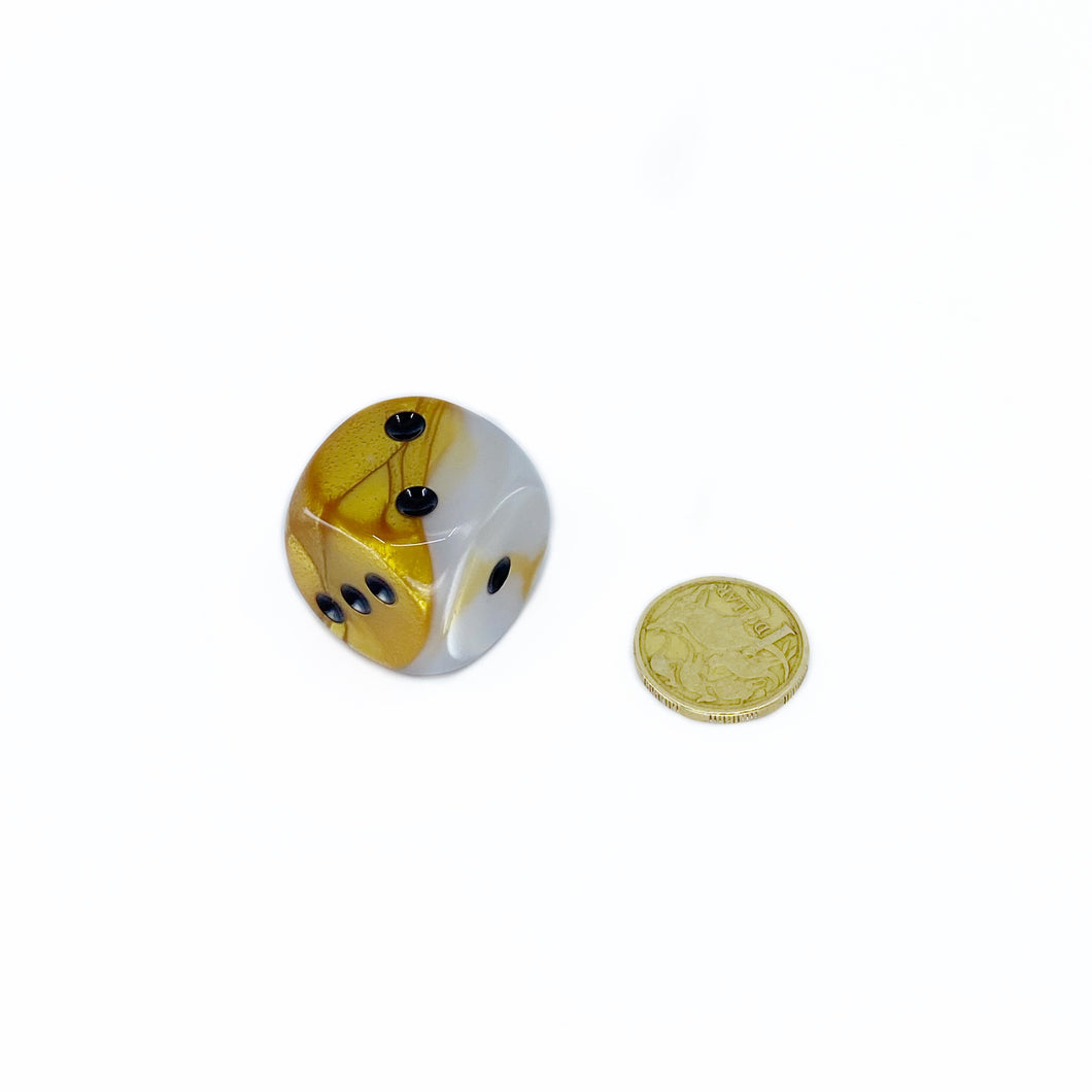 Single D6 30mm w/pips Gemini Gold-White w/black (out of print)