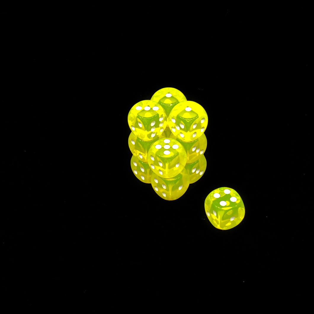 Chessex 16mm Off Colour Translucent Neon Yellow D6 Set with Pips