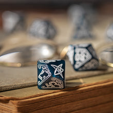 Load image into Gallery viewer, Call of Cthulhu Abyssal & white Dice Set