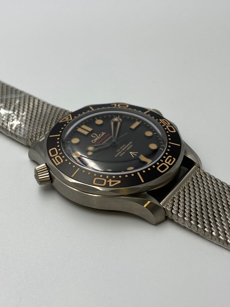 "Omega Diver 300 Co-Axial Master Chronometer ""No Time To Die"" 42mm"