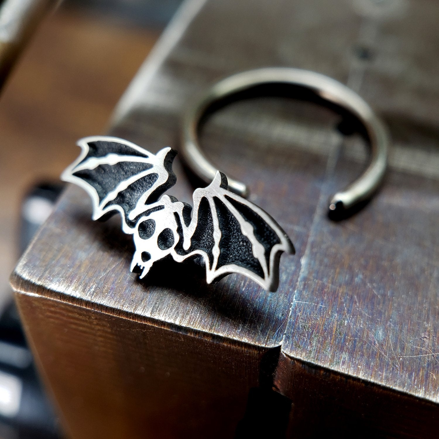 Bat Skeleton Captive Bead Ring - Metal Lotus