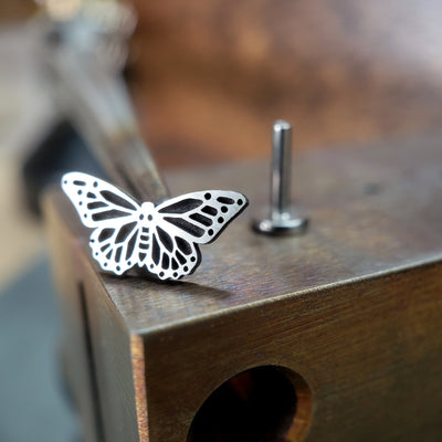 Metal Lotus Internally Threaded Labret Threaded Silver Monarch Butterfly with Steel Labret