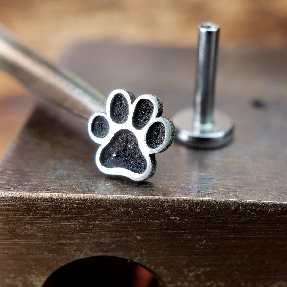 Metal Lotus Internally Threaded Labret Threaded Silver Paw Print with Steel Labret
