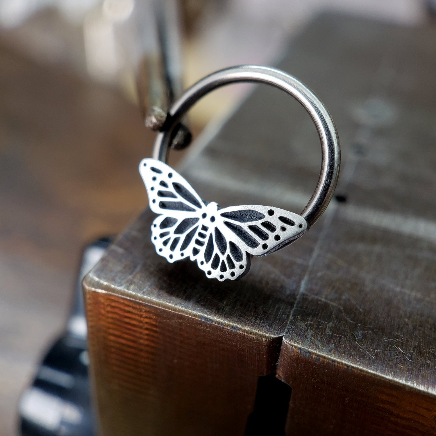 Monarch Butterfly Captive Bead Ring - Metal Lotus