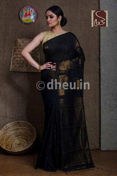 """Dheu Boutique ""Black  Handloom Silk Cotton Zaripar Black   Colour  Saree"