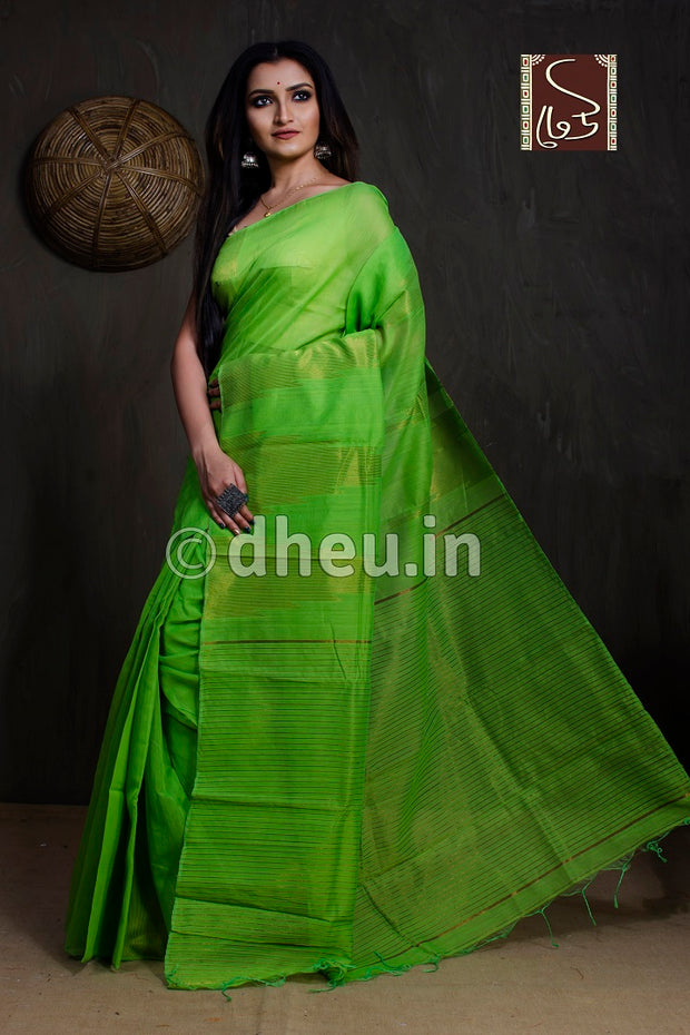 Green Handloom Silk Cotton Zaripar - Boutique Dheu