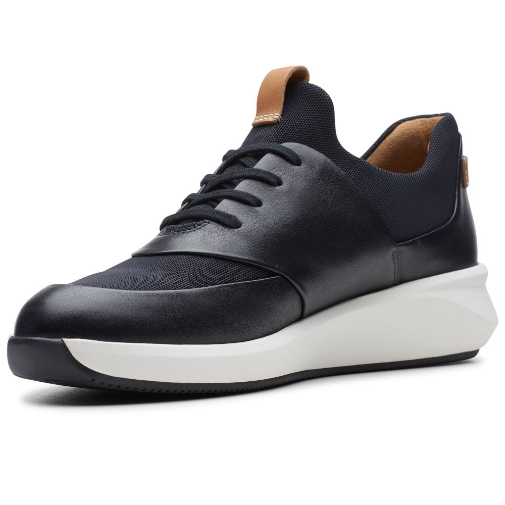 Clarks - Un Rio Lace Black Leather Runners